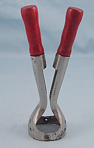Vintage Corer � Red Wood Handles � Germany (Image1)