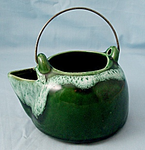 Kettle Shaped Planter (Image1)