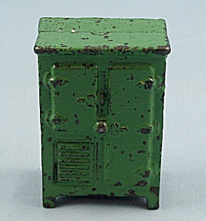 1920-1930�s Kilgore Refrigerator / Ice Box - Dollhouse Furniture � Green (Image1)