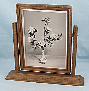 Art Deco � Swing Frame � Gold, Floral Photo (Image1)