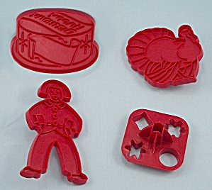 4 � Figural, Occasion Cookie Cutters, Red Plastic / Tupperware (Image1)