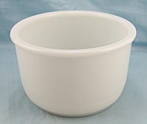 Milk Glass Mixing Bowl (Image1)