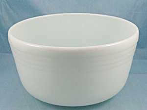 Pyrex - Large White Mixing Bowl, With Rings