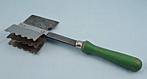 Three Blade Vintage Meat Chopper/Tenderizer � Green Wood Handle (Image1)