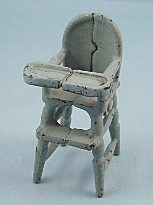 Kilgore Mfg. Co. � Cast Iron � Dollhouse Furniture- High Chair � Light Blue (Image1)