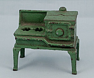 Kilgore � Cast iron � Dollhouse Furniture � No. T.-7 - Green Toy Gas Stove, B (Image1)