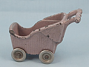 Kilgore Toy- Baby Carriage � Lavender - Cast Iron � Dollhouse Miniature (Image1)