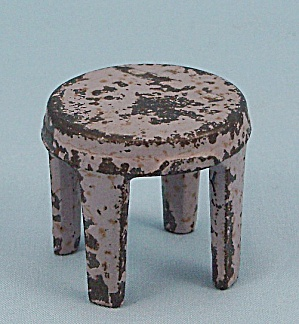 Kilgore Mfg. Co.- Dollhouse Toy � Cast Iron - Stool � Lavender (Image1)