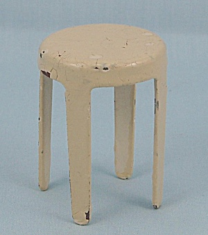 Arcade Toy Stool � Dollhouse Furniture � Yellow (Image1)