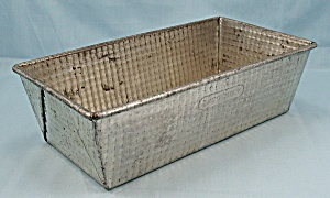 Ekco No. 7 - Textured Loaf Pan � Ovenex (Image1)