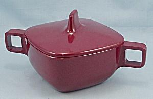 Arrowhead – Brookpark Pattern, Maroon Sugar Bowl & Lid – Melmac/Melamine (Image1)