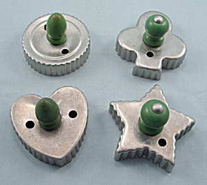 Four - Cookie Cutters � Green Wood Handles (Image1)