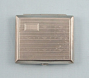 Lionel -  Perfumed Compact -  Circa 1925 (Image1)