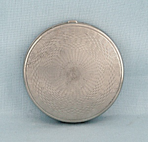 Pat�d. Vintage Compact � Silver-toned (Image1)