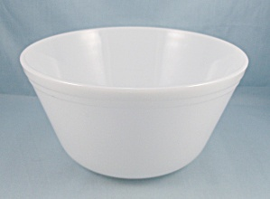 Federal Glass Co. � Large Mixing Bowl � White  (Image1)