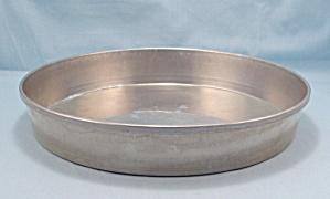 Vitality � Aluminum Cake Pan, by Mirro (Image1)