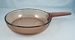 Corning Amber Visions � Glass Skillet (Image1)