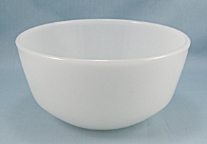 Fire King � Small Mixing/ Stacking Bowl (Image1)