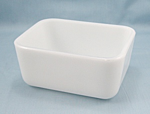 McKee � Milk-Glass Refrigerator Base, No Lid (Image1)