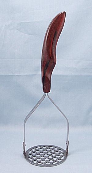 Cutco No. 14 – Pat'd. Handle Masher/Ricer  (Image1)