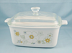 1963 Corning Casserole P 4 B, Floral Bouquet, Covered Baking Dish   (Image1)