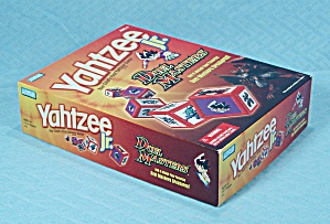 Yahtzee Jr., Duel Masters Edition, Parker Brothers, 2004