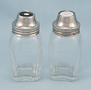 Airko - Salt & Pepper Shakers