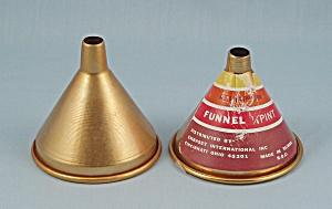 2- Aluminum � Pint Funnels (Image1)