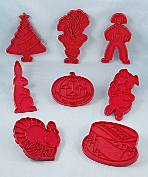 8 - Tupperware Red Holiday Cookie Cutters	 (Image1)