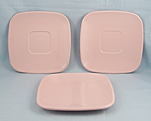 Brookpark Pattern, Pink – Melmac Dishes 3 Pc. (Image1)