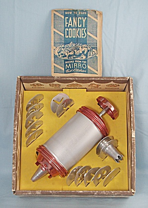 Mirro - Cookie Press, Copper Ends – With Plates & Tips – Original Box (Image1)
