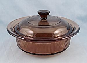Corning V 30 B, Amber Visions - 24 Oz. Round Covered Casserole