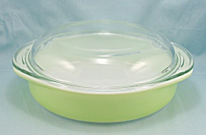 Pyrex - Chartreuse / Lime Green Cake Plate 221 & Lid