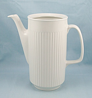 Johnson Brothers- Athena – Coffee Pot Base (Image1)