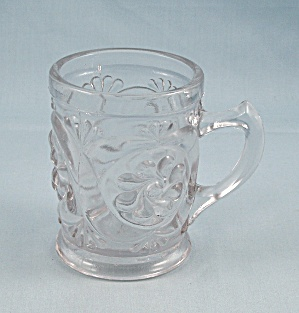 Canton Glass / Multiple Scroll / Child Cup