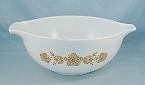 Pyrex 443 - Butterfly Gold - Cinderella Bowl