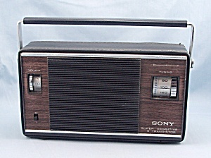 Sony Super Sensitive 9 Transistor Radio, Model 6r-33