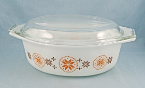 Pyrex 043 - Town And Country - Oval Casserole & Cover