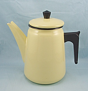 Aubecq Depose French Coffee Pot, Yellow Graniteware / Enamel