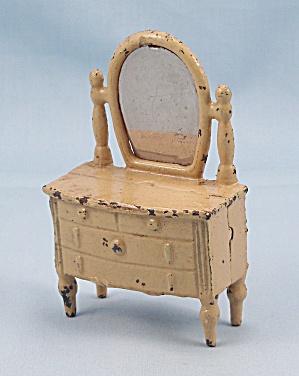 Kilgore, Cast Iron, Dollhouse Furniture, Old Ivory, Dresser / Bureau (Image1)