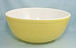 Pyrex 404 - Primary Yellow - 4-qt. Large, Nesting Bowl