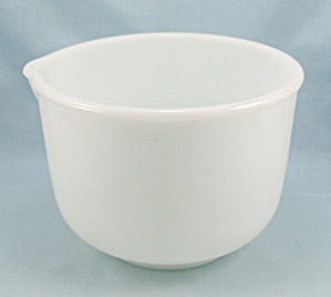Fire King / Sunbeam / White Mixing, Batter Bowl, Spout (Image1)