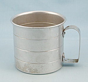 Aluminum Measuring Cup, 1-Cup Size (Image1)