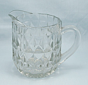 Jeannette, Windsor Clear, Windsor Diamond, 16 Oz. Pitcher (Image1)