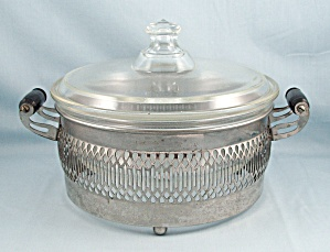 Pyrex 268 Casserole, Lid, Footed Metal Cradle/carrier