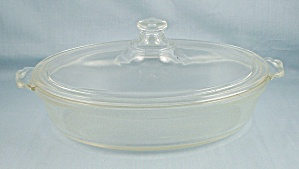 Pyrex 042 – Oval Casserole, Scalloped Handle, Old $ Mark (Image1)