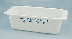 Pyrex 913, Loaf Pan - Snowflake / Blue On White