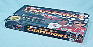 NASCAR Champions Game, Milton Bradley, 1998 (Image1)