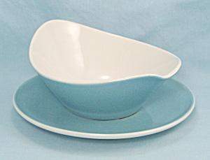 Iroquois Blue Vineyard-gravy Boat & Underplate