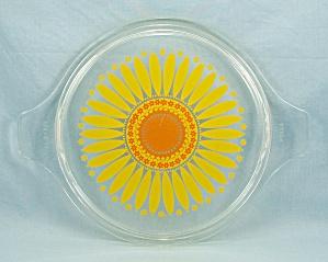 Pyrex 474 C -  Sunflower/ Daisy, Orange, Yellow  Lid (Image1)